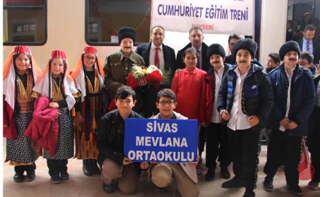 Cumhuriyet Eğitim Treni Sivas'ta