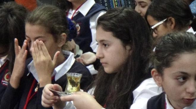 Filistinli Öğrencilere Zeytin Çayı İkram Edildi