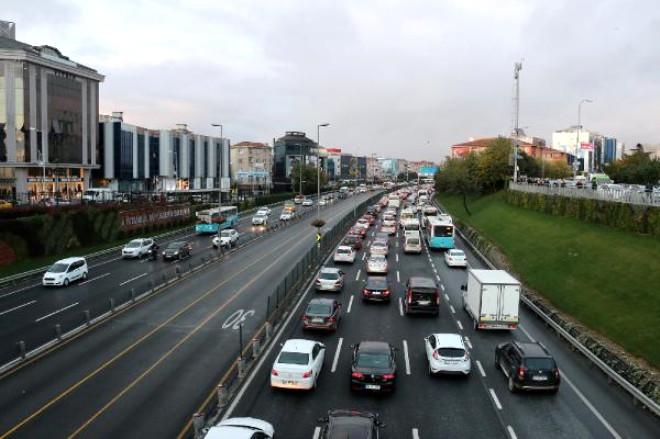 Fotoğraf) 15 Temmuz Şehitler Köprüsü'ndeki Trafik Kazası Felç Etti