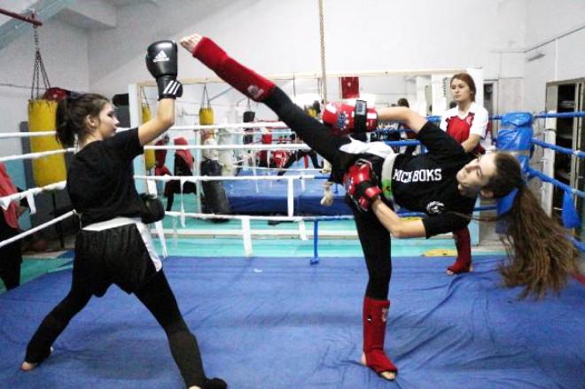 Kadın Kick Boks Antrenörü 1000'den Fazla Sporcu Yetiştirdi