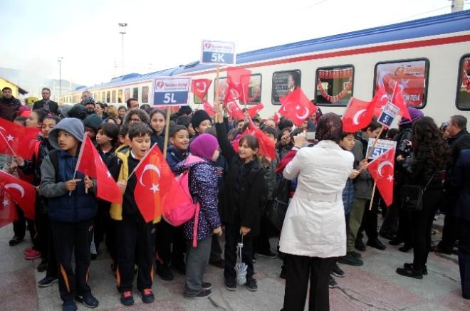Tekden Cumhuriyet Eğitim Treni Sivas'a Gitti