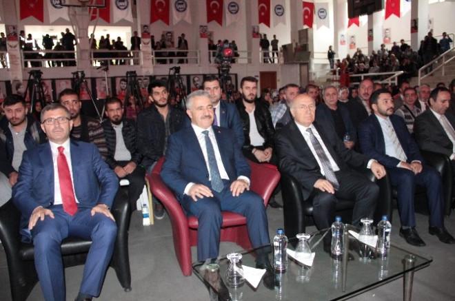 Ulaştırma Bakanı Arslan '15 Temmuz Darbe Girişimi ve Şehitleri Anma Programı'na Katıldı