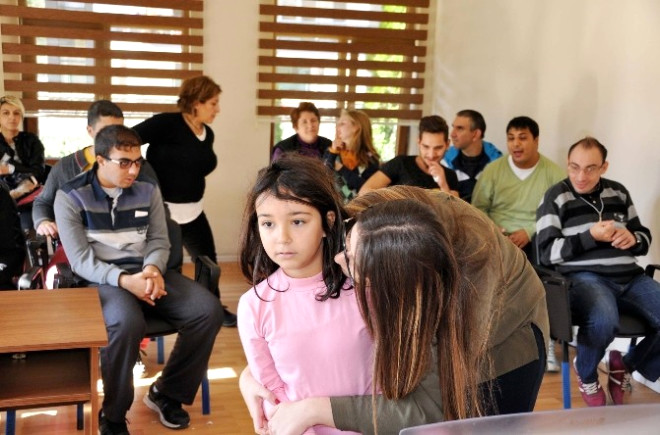 Uysal, Özel Çocuklar Korosunu İzledi