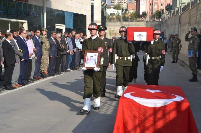 Yıldırım Çarparak Şehit Olan Asker İçin Tören Düzenlendi