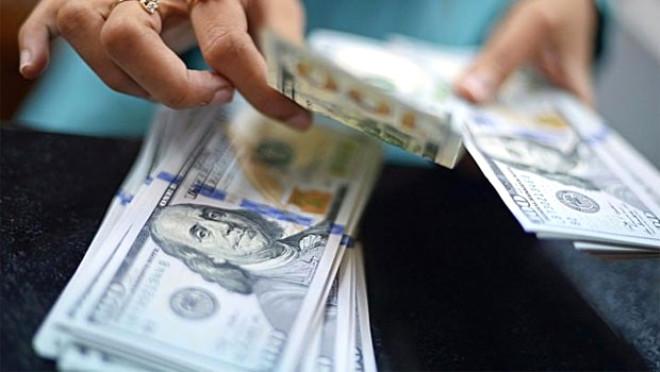 Dolar 3.11 Liranın Üzerinde