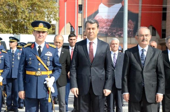 Eskişehir Valisi Azmi Çelik: '3 Deaş Mensubu Şahıs Yakalandı'