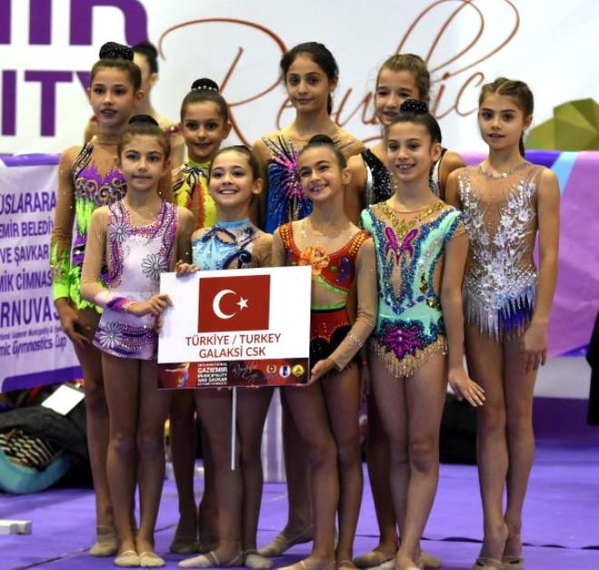 İzmir'de Cimnastik Şöleni