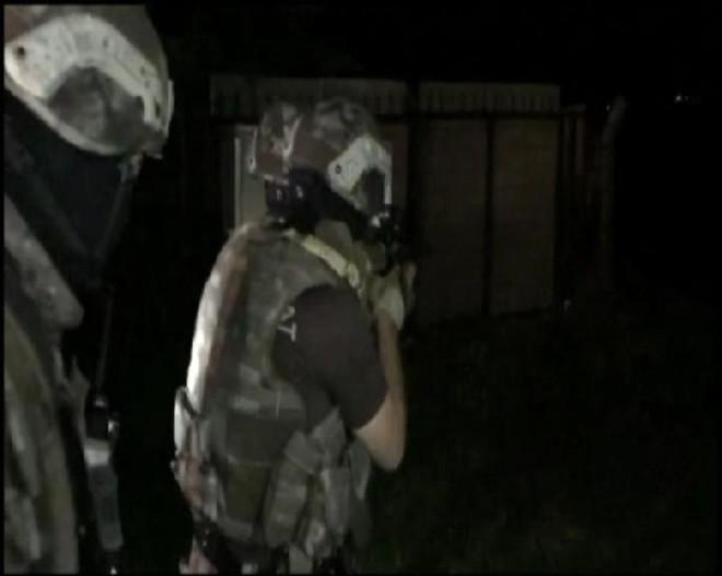 Silivri'de Bağ Evine Özel Harekat Polisleriyle Uyuşturucu Baskını