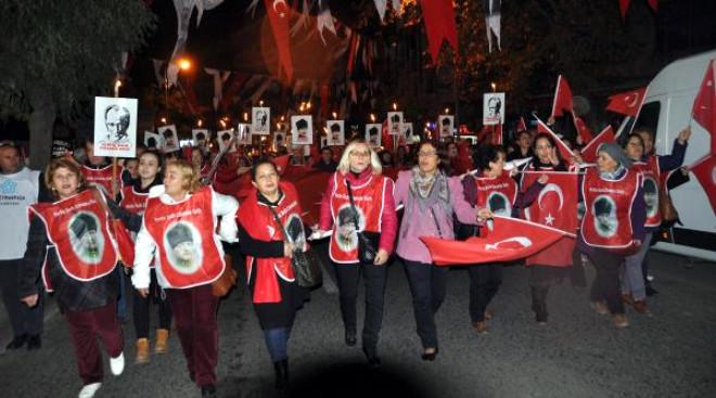 Tekirdağ'da 10 Bin Kişi Cumhuriyet İçin Yürüdü