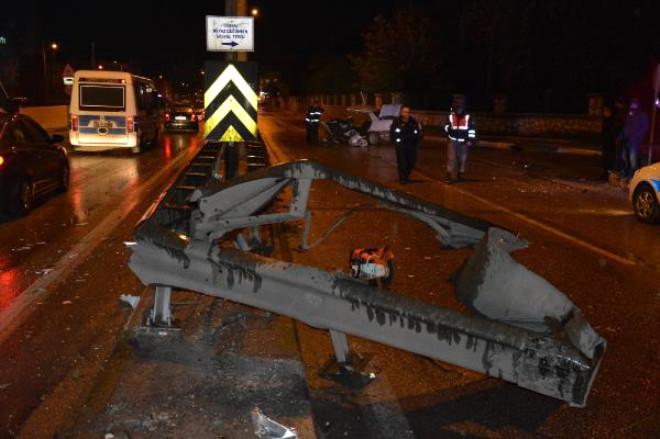 Asker Eğlencesine Giderken Kaza Yaptılar: 2 Ölü, 3 Yaralı