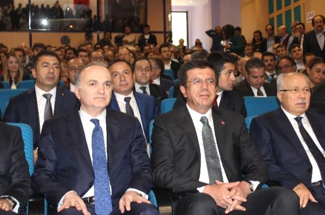 Bakan Zeybekci ve Özlü, Denizli'de Ar-Ge Tanıtım Toplantısına Katıldı