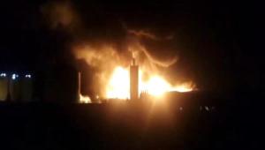 Silivri'de Fabrika Alev Alev Yandı