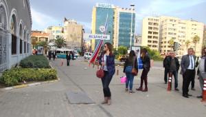 İzban Çalışanları Greve Gitti, İzmir'de Ulaşım Krizi Yaşandı