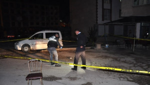 Kahvehanede Silahlı Kavga, 3 Kişi Yaralandı