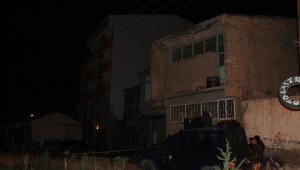 AK Parti Muradiye İlçe Binasına Bombalı Saldırı Yapıldı