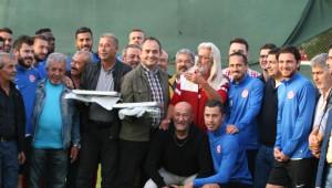 Sinema Oyuncusu Coşkun Göğe'nden Antalyaspor'a Destek