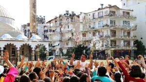 Antalya Büyükşehir Belediyesi 'Şeker Portakalı' Eğlendiriyor