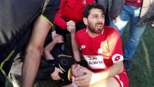 Amatör Maçta Yumruklar Konuştu, Futbolcunun Kolu Kırıldı