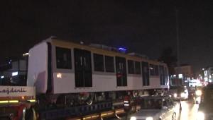 Üsküdar-Ümraniye-Çekmeköy Metrosu Vagonları Raylara İndirildi
