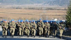 Kahraman Komandolara Niksar'da Davullu-zurnalı Karşılama