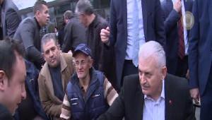 Başbakandan Hastane ve Taksi Durağı Ziyareti