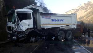 Karabük'te Kaza 2 Yaralı