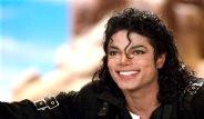 Michael Jackson Hiç Estetik Olmasaydı Nasıl Görünürdü?