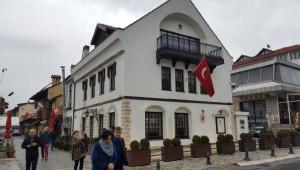 Prizren'deki Türk Başkonsolosluğu'na Molotoflu Saldırı