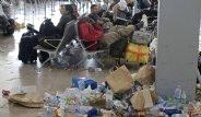 Temizlik Ekibinin 4 günlük Grevi Havalimanını Çöpe Döndürdü