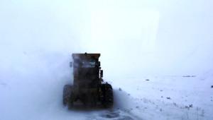 Bayburt'ta Karla Mücadele Çalışmaları Devam Ediyor