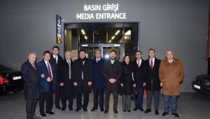 CHP'li Vekiller, Fikret Orman ve Fatih Terim ile Birlikte Maçı İzledi.