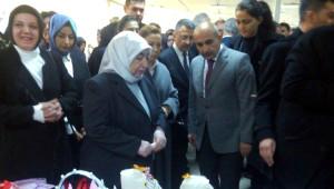 Kara Kahramanmaraş'taki Konteyner Kentin Açılışına Katıldı