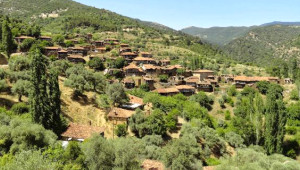 Türkiye'nin Hayalet Köyü Lübbey'den 9 Fotoğraf