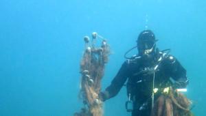 Çanakkale'nin Adaları Terk Edilmiş Ağlardan Temizleniyor