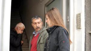 Eşi Dolandırıldı, Kendisini Dolandırılmaktan Son Anda Polis Kurtardı