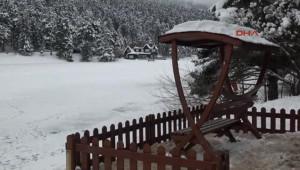Bolu Beyaz Örtüyle Kaplı Gölcük'e Ziyaretçi Akını