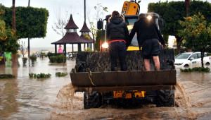 Hayatı Felç Eden Sel Felakatinden 30 Korkunç Manzara