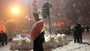 Denizli'de Okullar Tatil Oldu, Vatandaşlar Sokaklarda Kar Topu Oynadı