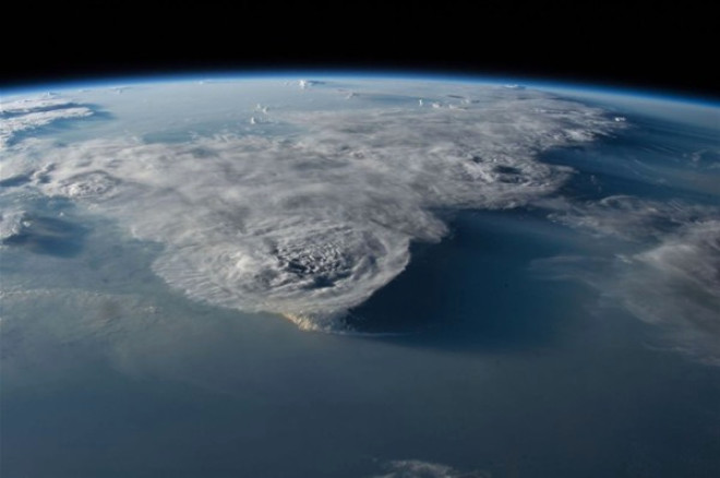 Güney Çin Denizi üzerinde oluşan kasırgalar bu fotoğrafta hep birlikte tek bir kareye sığmış. Tarih 29 Temmuz 2016.