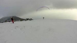 Karla Kaplı Ganos Dağı'nda Yamaç Paraşütü