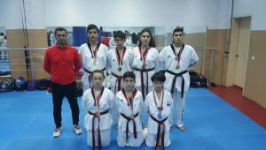 Kuşadası Belediyespor Tekvando'da 7 Madalya Kazandı