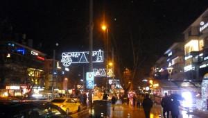 Bağdat Caddesi'nde Yeni Yıla Halay Çekerek Girdiler