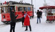 İstanbul'da Kar 40 Santimetreye Ulaştı!