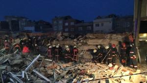 Zeytinburnu'nda Enkaz Altında Kalan Yaralı Kadın Olay Anını Anlattı