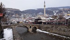 Kosova'da İşsizlik Nedeniyle Vatandaşlıktan Çıkmak İçin Rekor Başvuru