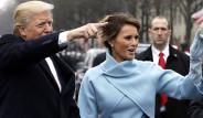 Yeni First Lady Melania Trump'ın Elbisesindeki İlginç Detay!