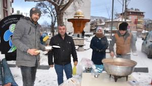 Belediyeden Karda Çorba İkramı