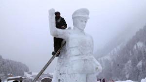 Ayder Yaylası'nda Kardan Atatürk Anıtı Yaptılar