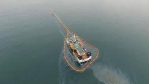 Sızıntı Üzerine Batan Gemi Bariyerlerle Çevrildi