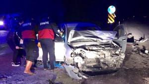 Çorum'da İki Otomobil Çarpıştı: 10 Yaralı